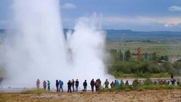 Исландия-Стоккур-гейзер
