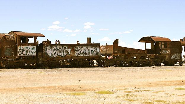 Боливия-кладбище-вагонов