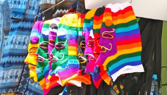 Боливия-шапки-на-рынке