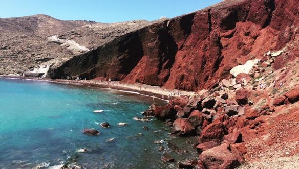 Санторин-красный-пляж